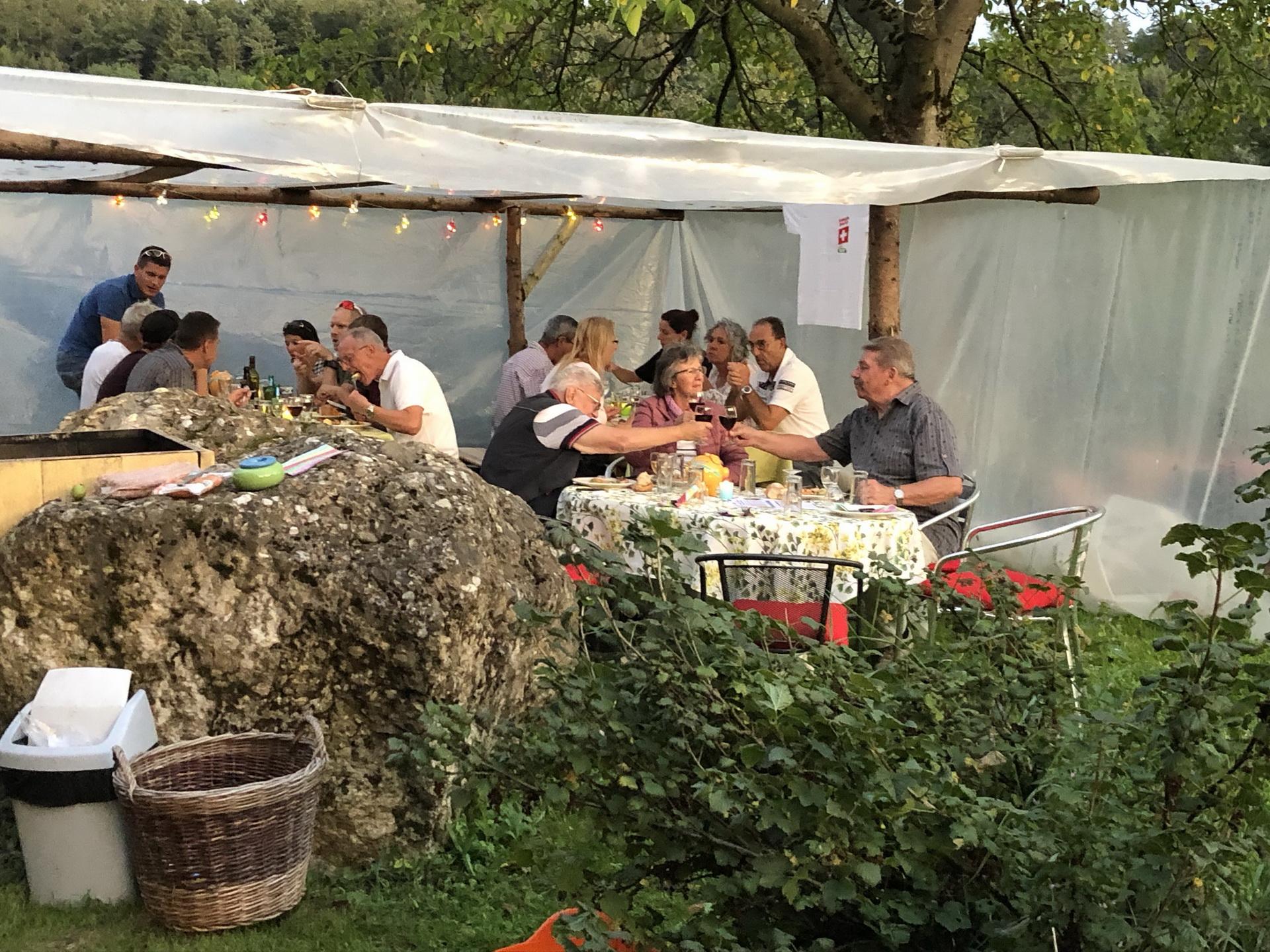 Torricella-Taverne Single Event Benken Er Sucht Sie Corsier